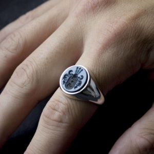 Silver Signet Ring Round Blue Layered Agate