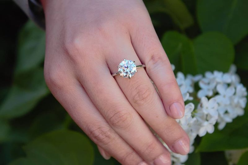 Moissanite-solitaire-with-Tiffany-inspired-bank